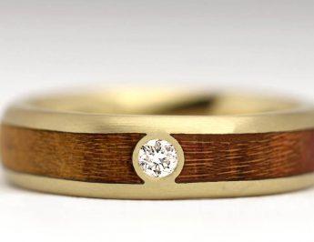 Anel de madeira, ouro e diamante - Justin Duance